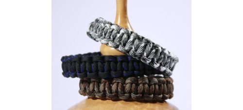 Survival Bracelet for Men, Made from Parachute Cord